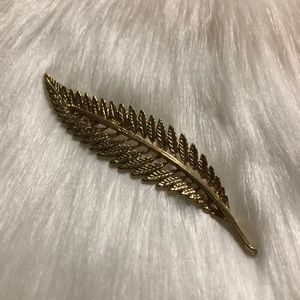 80s Vintage Gold Tone Metal Feather Brooch